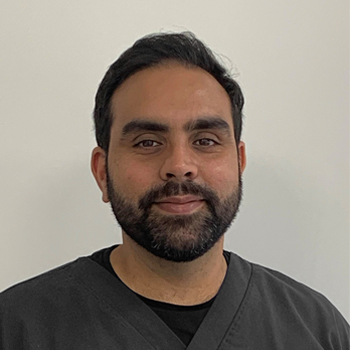 Dr Adnan Chowdry - Team Member - Dental Arts Studio